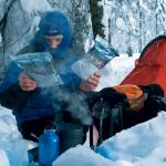 Mit diesen Tipps halten Sie sich draußen in der Kälte warm
