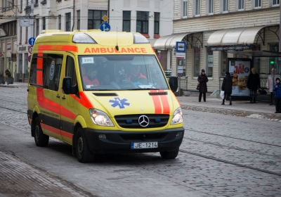 yellow-ambulance-car-at-the-city-street